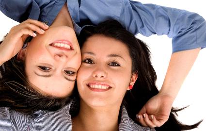 前歯のインプラントはなぜ難しいのか