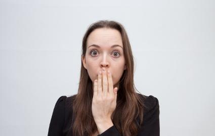 タバコがお口の健康に与える悪影響の数々