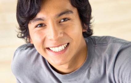 審美歯科治療で使われる材料、行われる治療の例